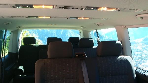 Caravelle T6 châssis long pour plus d'espace et de confort, couloir pour un meilleur accès aux places.